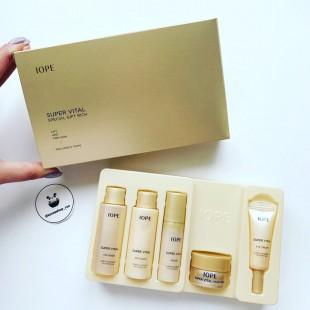 IOPE Super Vital Special Gift 5 items/5-этапный регенерирующий набор миниатюр с витаминным уходом за кожей лица